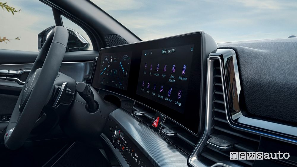 "12.5 curved infotainment display"" new interior Kia Sportage GT Line"