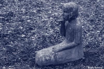 Blue - Statue girl