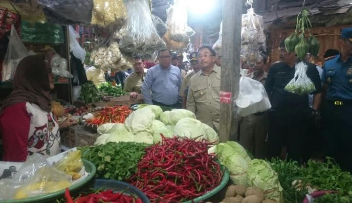 Foto Berita Walikota Sidak, Harga Sembako di Pasar Balikpapan Relatif Normal