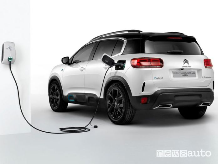 Citroen C5 Aircross Hybrid plug-in wallbox recharge
