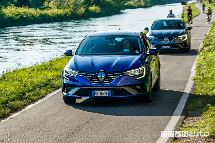 Renault Mégane E-Tech Plug-in Hybrid on the road