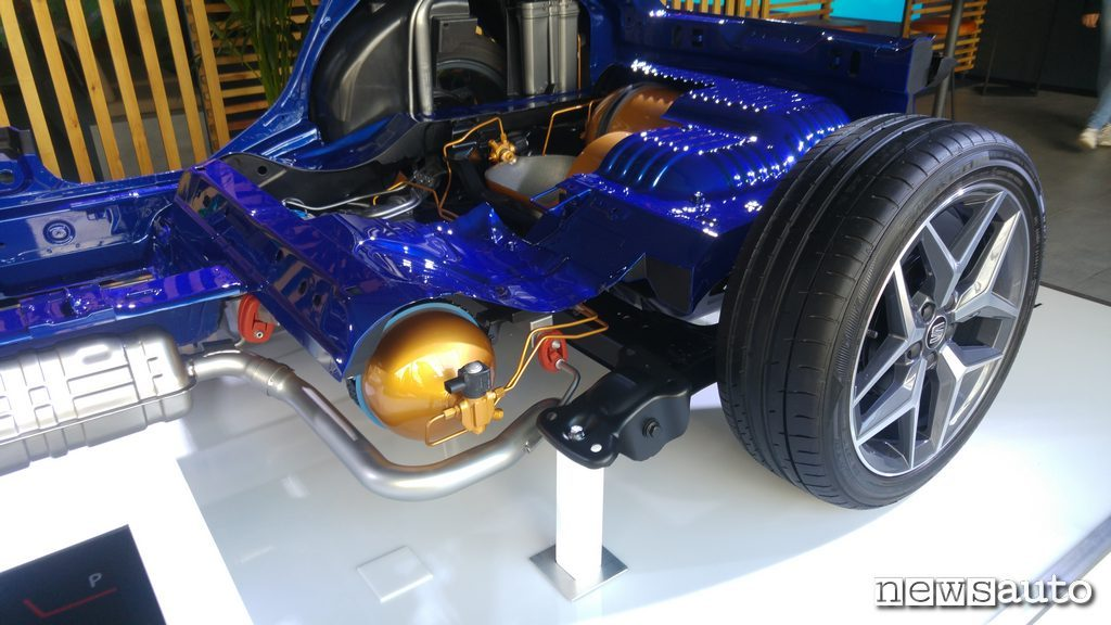 Seat Arona TGI methane cylinders