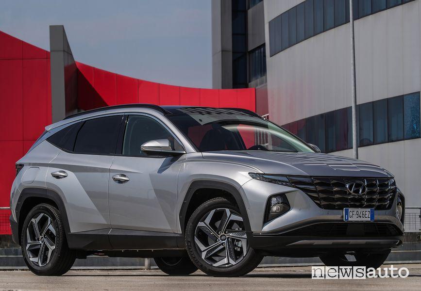 New Hyundai Tucson Plug-in Hybrid profile view