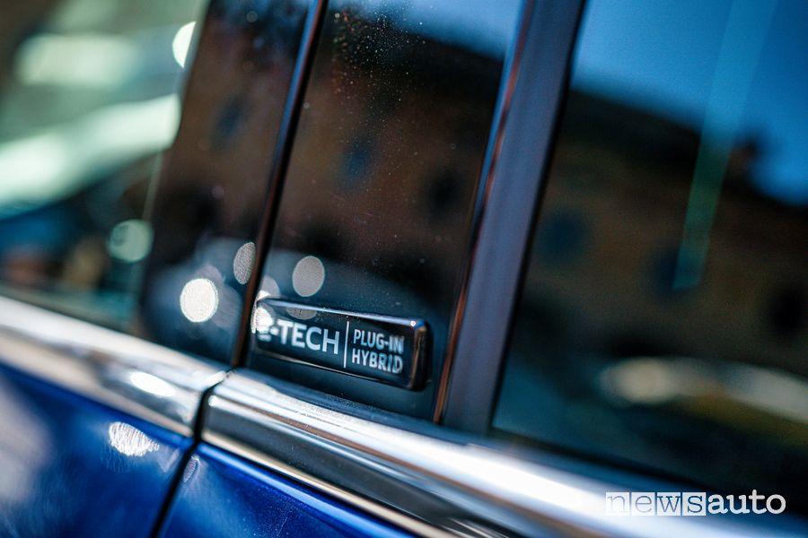 Renault Mégane E-Tech Plug-in Hybrid RS Line badge