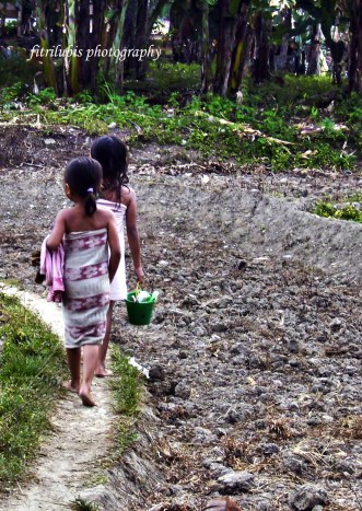 Seeing these two little girls must walk far just to have a shower makes my heart broke.