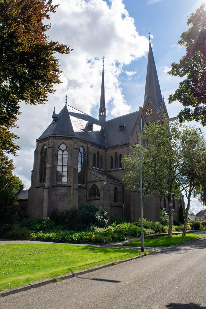044b_Sint-Willibrorduskerk