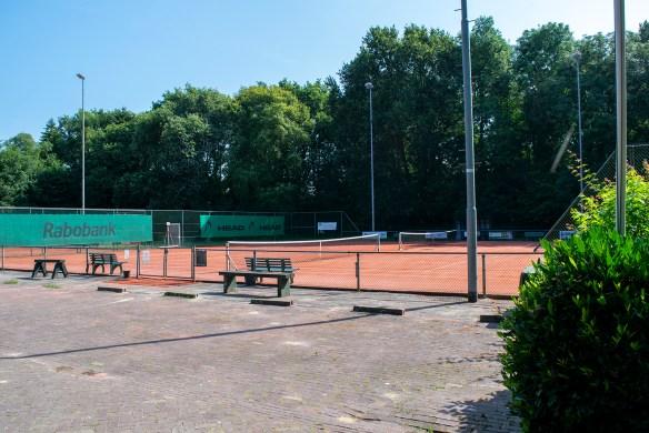 155e_Tennisbaan