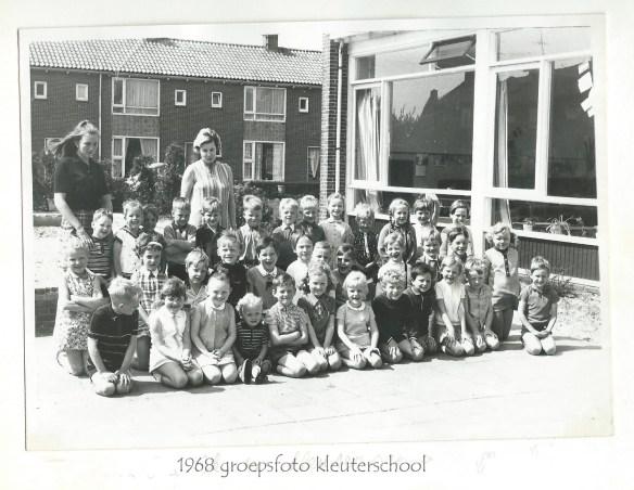groepsfoto kleuterschool 1968