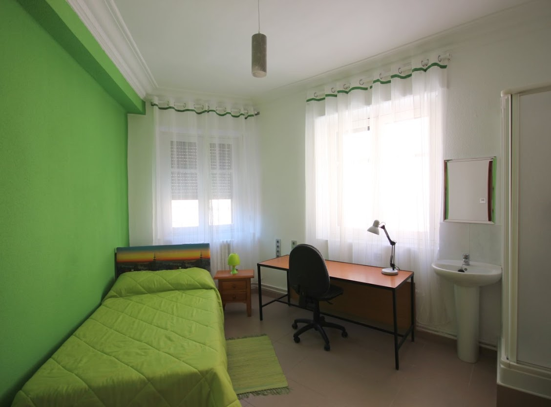 Residencia universitaria mixta en Salamanca, junto a la ...
