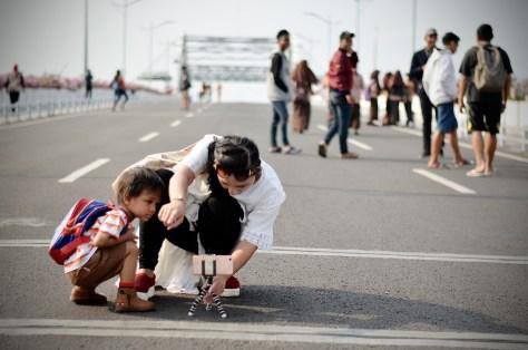efahmi fotofahmi streetphotography kamera ponsel tripod