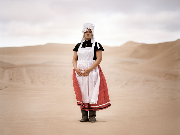 Julia Runge, Basterland