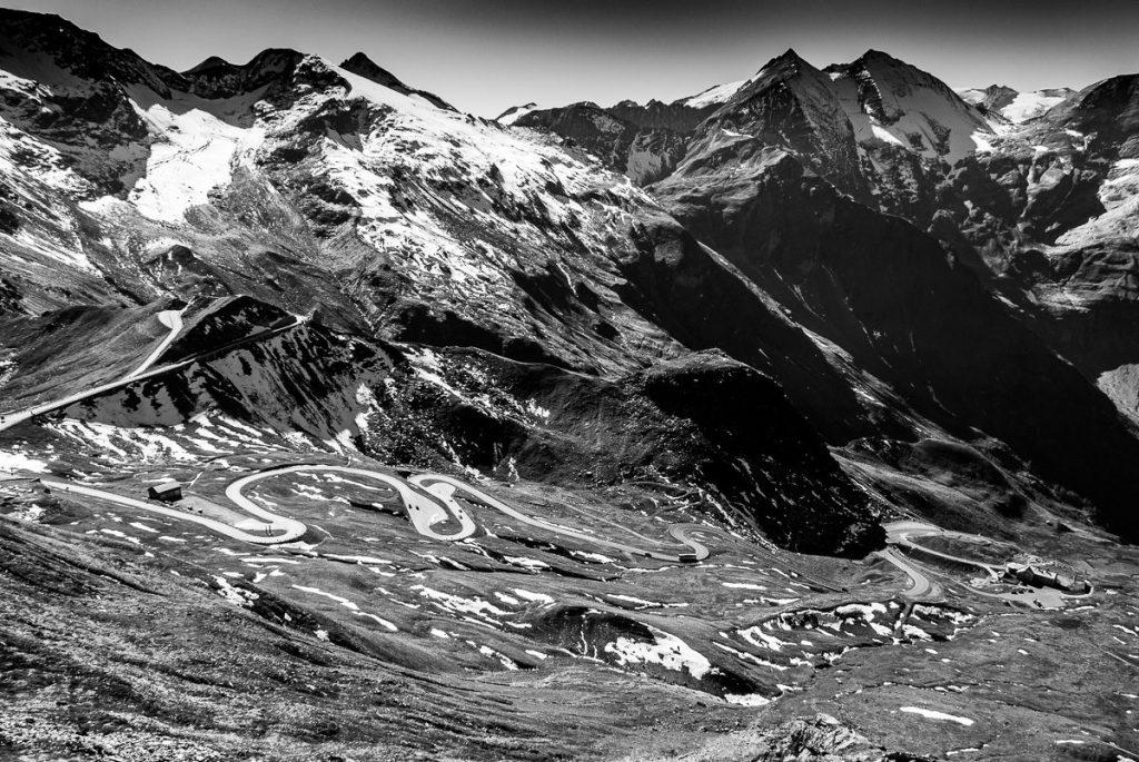 Serpentinen am Großglockner Bergbild – Hohentauern