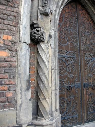 Portal kościoła Bernardynów (I)