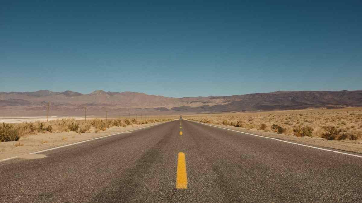 Death Valley infinite road