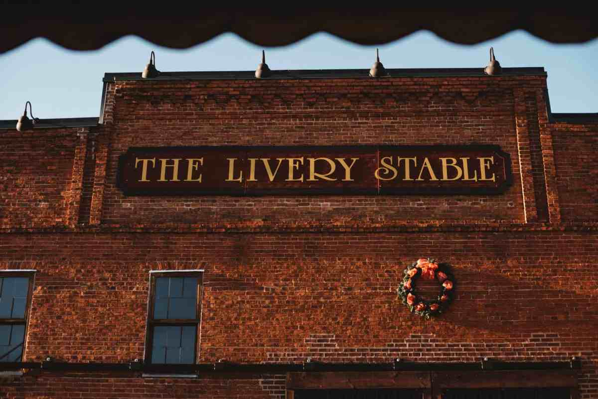 Abeville wedding at livery stable