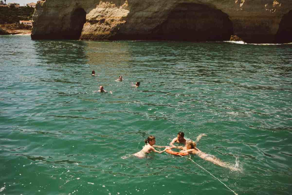 Secret beach wedding Portugal 059
