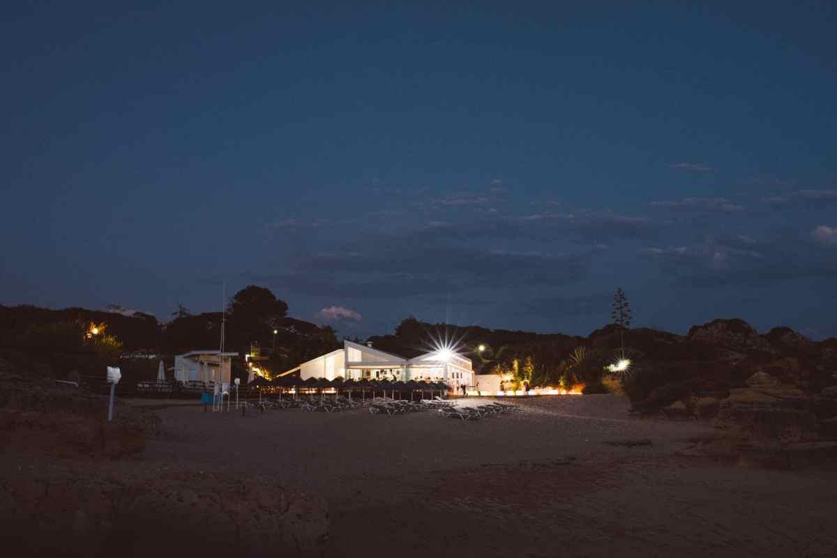 Secret beach wedding Portugal 096