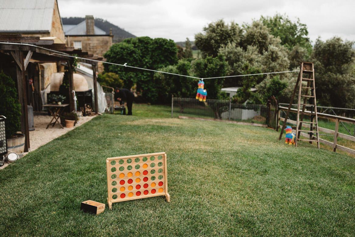 tasmania wedding photographer piñata