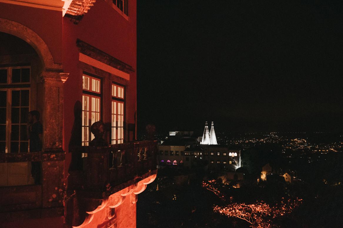 Casa dos Penedos by night