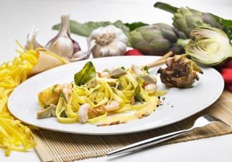 la preparazione dei piatti cucinati per la fotografia è una operazione complessa, che richiede la presenza di uno chef o di un Home Economist. Qui un esempio di piatto preparato con la collaborazione dello chef Francesco Paldera per la Divella SpA, Agenzia BePa di Bari.