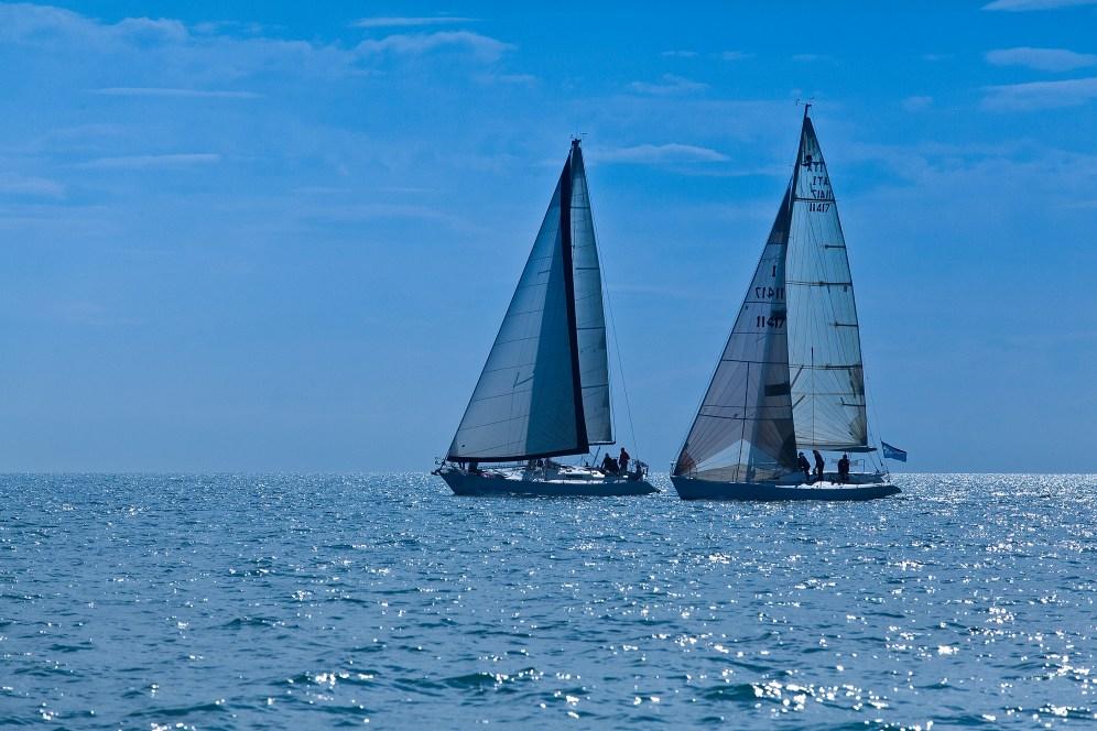 Una regata è l'occasione per raccontare l'amore per il mare del management della Nettis Resort, proprietaria del Porto degli Argonauti a Marina di Pisticci (MT).