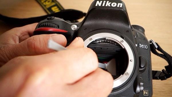 come pulire il sensore di una reflex mirrorless a casa con kit