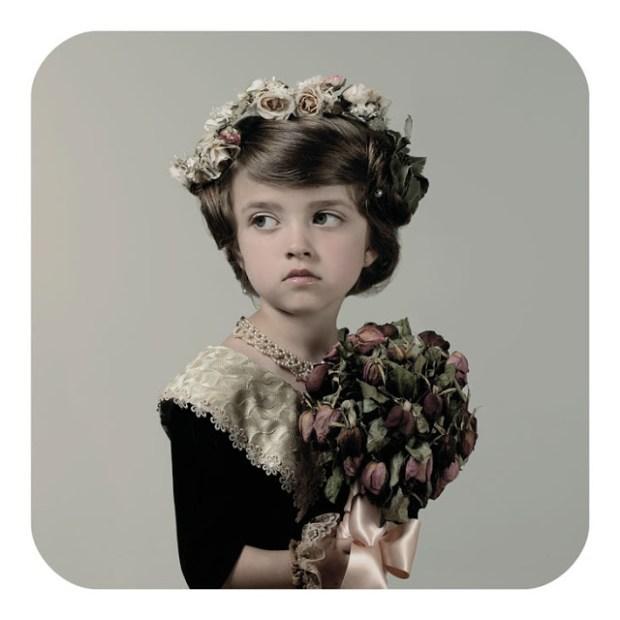 cecile decorniquet ritratto bambina epoca vittoriana con fiori