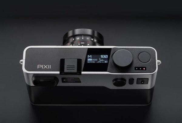 Pixii nuova fotocamera digitale francese a telemetro sensore APS-C