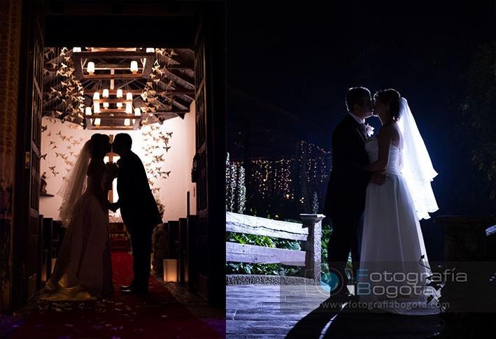 beso-romantico-boda-pareja-iglesia-contra-luz-fotografia