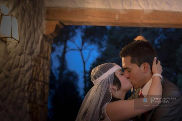 Videos de bodas Vintage Amarillo fotografias de bodas besos romanticos