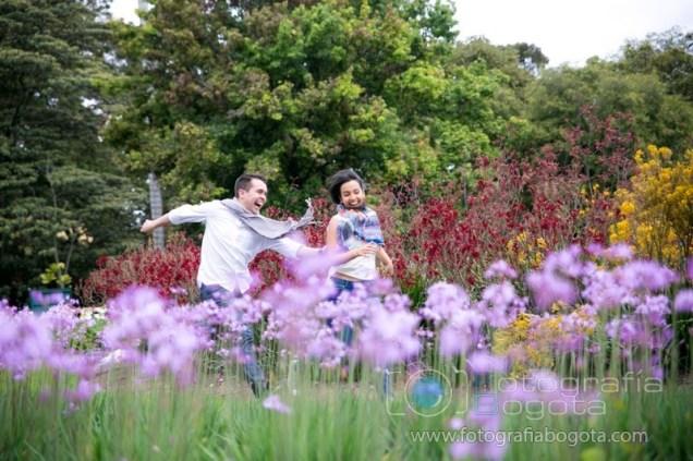 jardin-botanico-fotos-de-parejas-fotografias-de-novios-fotografias-de-preboda-fotografias-romanticas-lindas