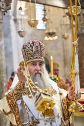 lunedì 22 maggio 2017, il Metropolita di Saratov e Wolski, Longin, presiede la liturgia ortodossa nella Basilica di San Nicola a Bari