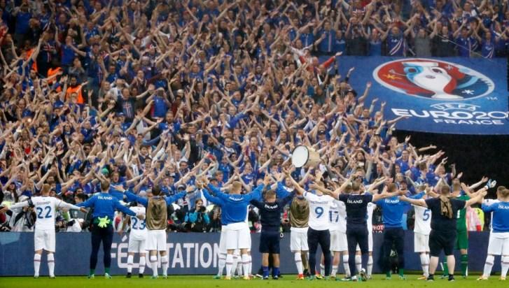 Resultado de imagen de fútbol islandia hinchas