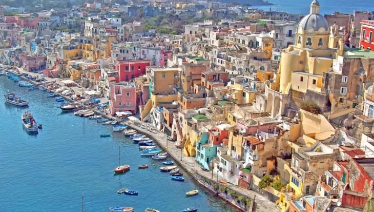 Los colores más bonitos de Italia están en Nápoles   VIAJESTIC