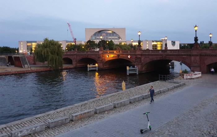 Bundeskanzleramt und Moltkebrücke