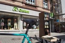 Bücher und Klamotten: Lebensmittel in der Leipziger Strasse