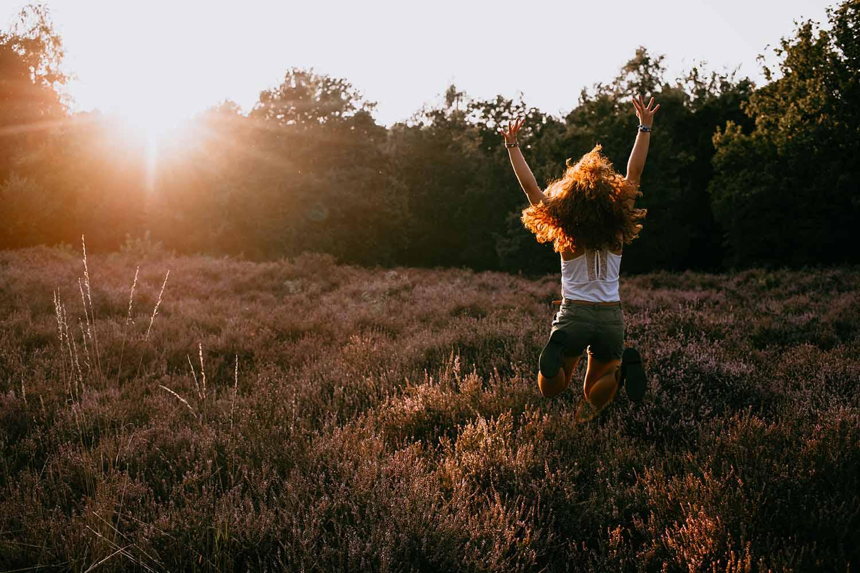 portret meisje golden hour natuur tiener