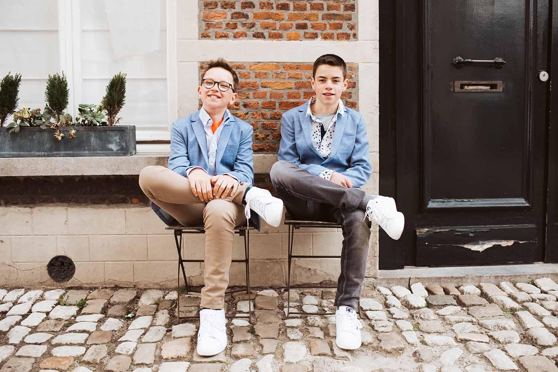 communie tweeling jongens stad portret