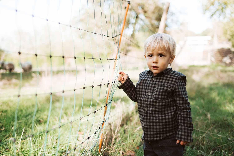 kind jongen peuter natuur