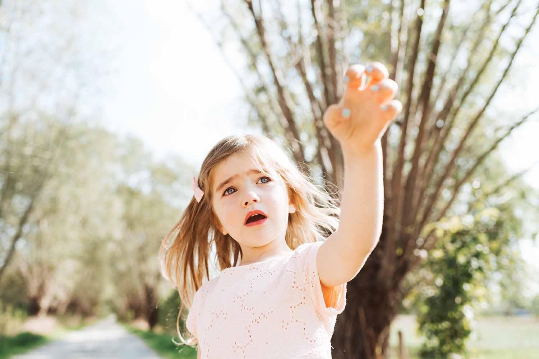 kind natuur meisje zomer