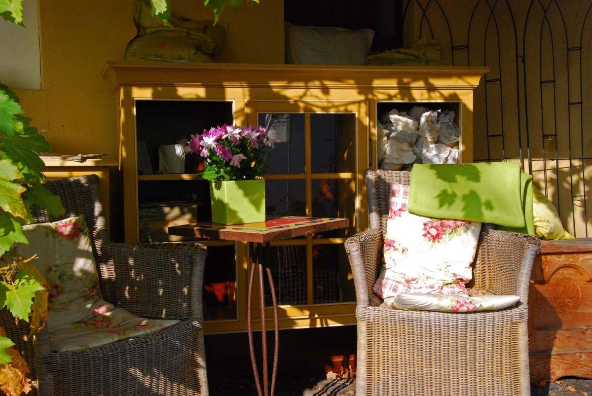 Schmuckvoll am Günderodehaus, Möbel und Herbst