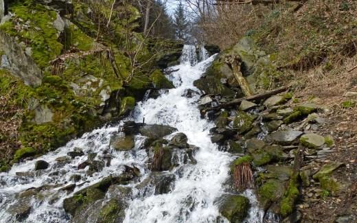 Laubachtal Wasserfall auf dem Rengsdorfer Panoramaweg