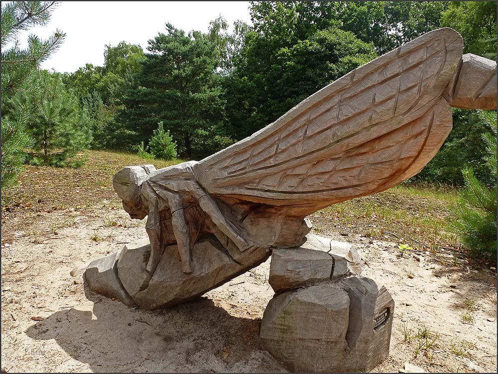 Libelle aus Holz