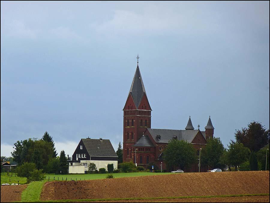 Die St. Nikolaus Kirche in Steinbüchel