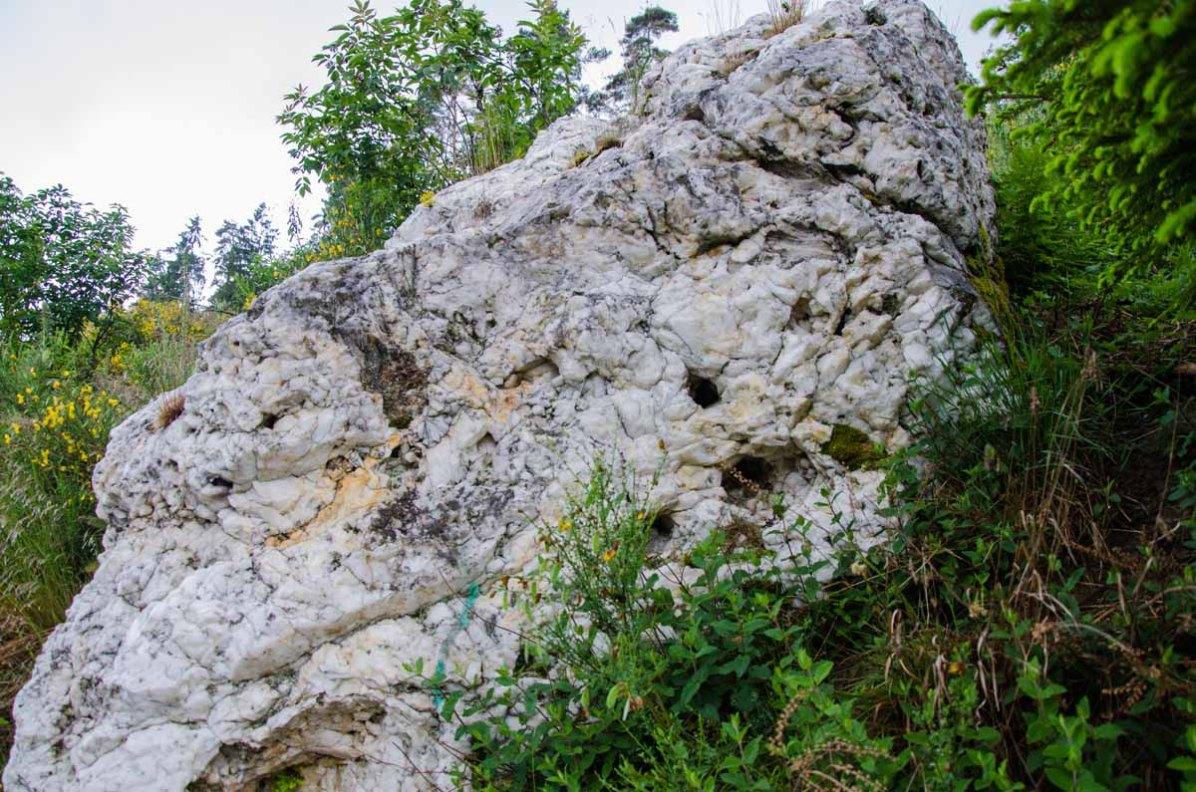 Dicker weißer Stein
