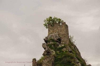 Und hoch hinauf an den Burgen Kallenfels, welche das nun war oh verzeiht mir, ich weiß es nicht mehr, denn da stehen drei dicht beieinander