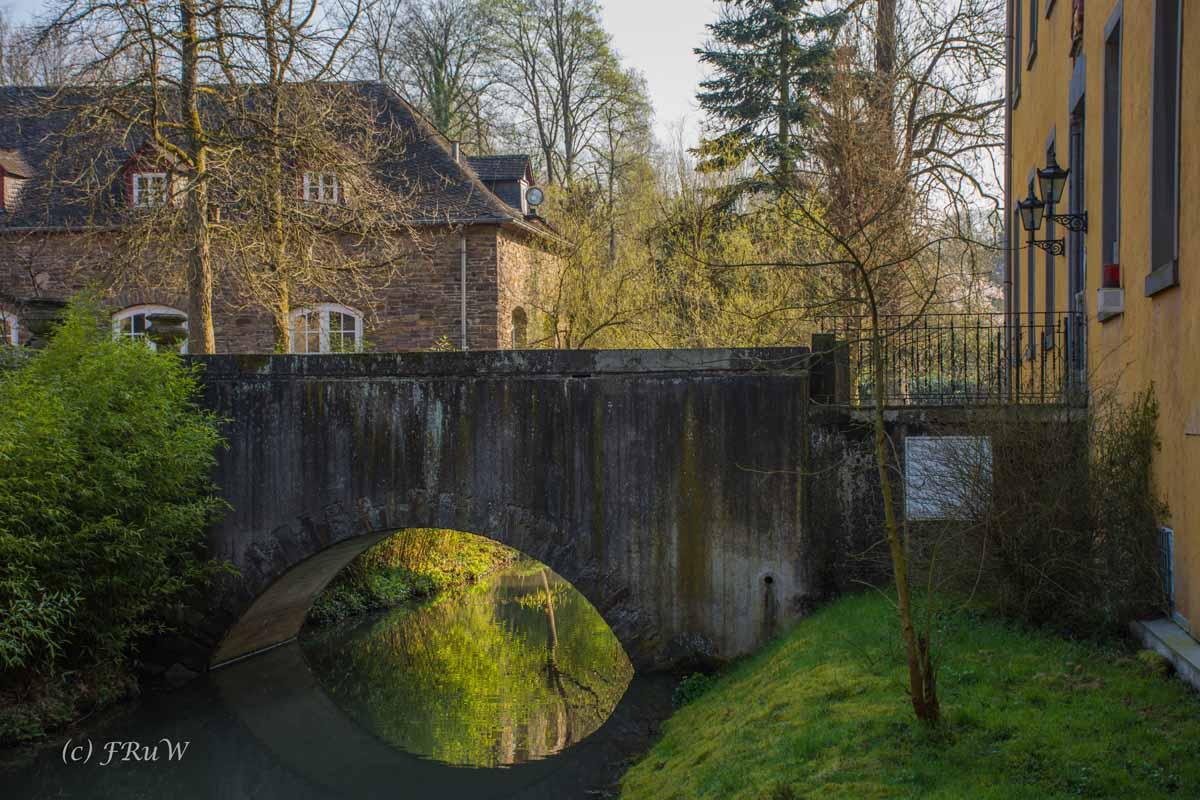 Zeitreise durch Lindlar - Brücke Schloss Heiligenhoven