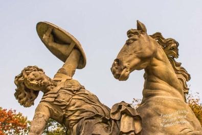 Reiter mit sterbender Amazone