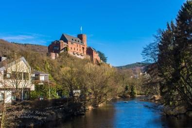 Noch einen Blick auf die Burg Hengebach