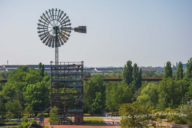 Blick auf den Windenergieturm